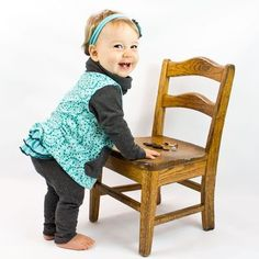 This is the coziest pullover for your Nb-36 Month child! It has 2 different 'cut' options. Onesie Pattern, Baby Pants Pattern, Headband Pattern, Baby Clothes Patterns, Baby Patterns, Baby Shirts, Pdf Sewing Patterns, Baby Sewing, Cowl Neck