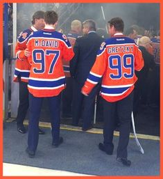 McDavid / Gretzky .. The old and the new.