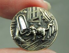 BRASS PICTURE BUTTON ~ CAT LOOKING IN A MIRROR    METAL