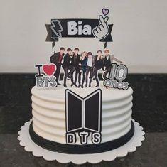 Theme Bts, Fondant Cakes, Cupcake Cakes, 30th Birthday Cake Topper, Bts Cake, Foto Pastel, Bts Birthdays, Cute Desserts, Cakes For Boys