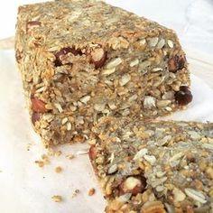 Pain Paléo aux graines, flocons de quinoa & noisettes