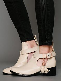 Nix Cutout Ankle Boot. http://www.freepeople.com/whats-new/nix-cutout-ankle-boot/