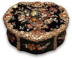 Snuffbox Gold & hardstone after a design by Jean Guillaume George Kruger Origin: Berlin Date: c. 1775 Bloodstone, gold, diamonds, rubies, emeralds, glass, foil