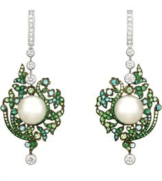 Use a Jewelry Armoire To Store Your Precious Jewelry Pieces Chanel Jewelry, Opal Jewelry, Luxury Jewelry, Modern Jewelry, Jewelry Art, Antique Jewelry, Vintage Jewelry, Jewelry Accessories, Jewelry Design