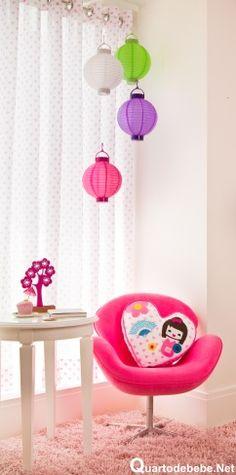 design de cadeira rosa infantil