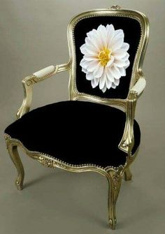 Make your own custom needlepoint chair Funky Furniture, Classic Furniture, Paint Furniture, Repurposed Furniture, Unique Furniture, Luxury Furniture, Furniture Makeover, Furniture Decor, Furniture Design