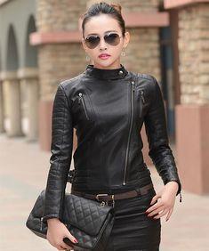 Arrow Damen schwarze Lederjacke Slim Fit – – Arrow Shopping Source by Lambskin Leather Jacket, Leather Blazer, Black Leather, Leather Jackets, Soft Leather, Black Women Fashion, Womens Fashion, Ladies Fashion, Estilo Rock