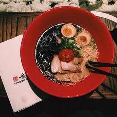 Get your hot ramen bowl at Ippudo Ramen  Originated from Fukuoka (Japanese city famous for its #Hakata tonkatsu #ramen) #Ippudo has brought its soul food to NYC. Ramen enthusiasts go crazy over their Akamaru Modern (silky #Tonkatsu soup noodles with Ippudos secret umami #porkchashu cabbage miso paste mushroom scallions) or Hakata Classic (pork soup noodles topped with pork loin chashu mushrooms menma red pickled ginger scallions). While waiting for your hot ramen bowl try their tasty…