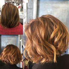 Su capelli corti