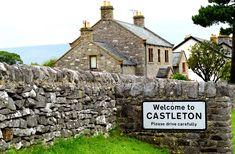 Castleton Derbyshire, Sherwood Forest, County Park, Peak District, Run Around, London Calling, Beautiful Places To Visit, Claire, Britain