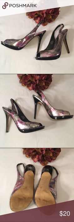 """Steve Madden Luxe floral heels Beautiful Steve Madden Luxe L-Floral platform heels size 6.5. Excellent condition, 4"""" heel with 1/2"""" platform, perfect for wedding, prom or party! Steve Madden Shoes Platforms"""