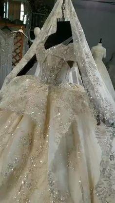 Ball Dresses, Ball Gowns, Extravagant Wedding Dresses, Bridal Gowns, Wedding Gowns, Designer Bridal Lehenga, Wedding Dress Train, Stunning Dresses, Wedding Attire