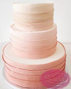 #siass #siasslandshut #cakeart #weddingcake #wedding #hochzeit #fondantcake #fondant #hochzeitstorte
