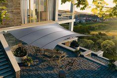 Sonnensegel können wie eine Markise direkt am Haus angebracht werden – wie hier – oder flexibel an jedem Wunschort gespannt werden, sie können ma nuell gespannt oder komfortabel elektrisch rollbar sein. Foto: C4Sun