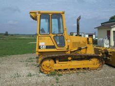 1994 Caterpillar D3C Dozer  - Great condition. 2 hydraulic 6-way dozer, 70-hp. Cab w/heat & air. 3F-3R power shift. - See more at: http://www.heavyequipmentregistry.com/heavy-equipment/12367.htm