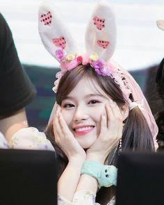 """Sana-Twice 180421 """"What is Love? Nayeon, Kpop Girl Groups, Korean Girl Groups, Kpop Girls, Shy Shy Shy, Sana Cute, Twice Once, Twice Momo, Sana Minatozaki"""