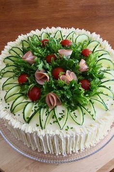 garnishing on a sandwich cake/ Merjan Makiaa: Kinkku-voileipäkakku Sandwich Torte, Good Food, Yummy Food, Food Garnishes, Garnishing, Tea Sandwiches, Food Decoration, Food Platters, Savoury Cake