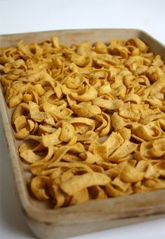 Kookie Cookies 1 package to ounces) corn chips 1 cup light corn syrup 1 cup sugar 1 cup creamy peanut butter Spread corn ships . No Bake Treats, No Bake Cookies, Cookies Et Biscuits, Bar Cookies, Chip Cookies, Sweet Recipes, Snack Recipes, Cooking Recipes, Candy Recipes