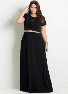 Possible SS looks for outfit: maxi skirt and crop top // Saia Longa Preta Plus Size - Posthaus Best Plus Size Clothing, Plus Size Dresses, Plus Size Outfits, Trendy Clothing, Plus Size Maxi, Plus Size Long Skirts, Plus Size Crop Tops, Flax Clothing, Modest Clothing