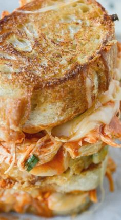 Buffalo Chicken Grilled Cheese #comfort #gameday #weekend