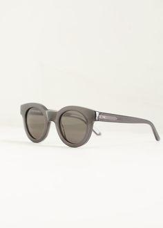 Sun Buddies Type 02 Sunglasses (Milky Grey)