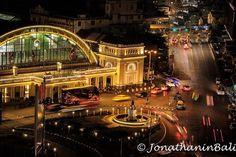 Hualamphong Railway Station Bangkok Thailand  For the ebook The Bangkok Story an Historical Guide to the Most Exciting City in the World - go to http://ift.tt/2kq9do7  #aroundtheworld #worldtraveler #jonathaninbali #www.murnis.com #travelphotography #traveler #lonelyplanet #travel #travelingram #travels #travelling #traveling #instatravel #asian #photo #photograph #outdoor #travelphoto #exploretocreate #createexplore #exploringtheglobe #theglobewanderer #nightphotography #fujifilm-au…