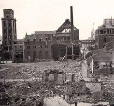 Leuven Vaartkom, rechts het huidige OPEK-gebouw, na het bombardement op Leuven in 1944