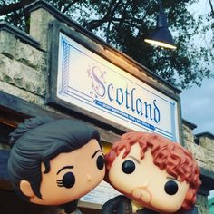 Jamie and Claire, do Disney World!