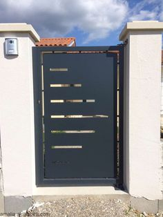 Discover recipes, home ideas, style inspiration and other ideas to try. Fence Gate Design, Steel Gate Design, Front Gate Design, Main Gate Design, House Gate Design, Door Design, House Front Gate, Wrought Iron Security Doors, Gate Designs Modern