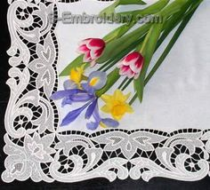 Machine Embroidery Projects Freestanding lace table runner - detailed image - Instructions for creating a free standing lace table runner using machine embroidery designs from 10335 Free standing lace table runner set Machine Embroidery Projects, Machine Embroidery Applique, Free Machine Embroidery Designs, Hand Embroidery Patterns, Ribbon Embroidery, Hardanger Embroidery, Learn Embroidery, Lace Table Runners, Creative Embroidery