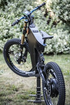 """very clean Wingsuit (Es memeber) ebike with our paired with ebike…"""" Cheap Electric Bike, Electric Bike Kits, Best Electric Bikes, Electric Dirt Bike, Motorcycle Design, Bicycle Design, Motorcycle Bike, Eletric Bike, Powered Bicycle"""