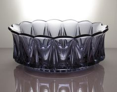 Kruunu , Riihimäen Lasi | Designlasi.com Glass Design, Design Art, Modern Contemporary, Glass Art, Retro Vintage, Perfume Bottles, Shapes, Universe, Drinkware