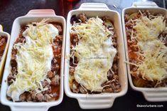 Musaca de cartofi cu carne tocata si sos de rosii reteta simpla | Savori Urbane Cabbage, Vegetables, Food, Essen, Cabbages, Vegetable Recipes, Meals, Yemek, Brussels Sprouts