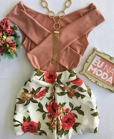 Less cut on the top Casual Skirt Outfits, Cute Summer Outfits, Trendy Outfits, Cool Outfits, Fashion Outfits, Fashion Moda, Look Fashion, Womens Fashion, Casual Looks