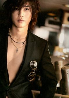 Weather decides who you know throughout their life. Your heart decides who you want in your life. But attitudes decide who will stay in your life. #김현중 #오빠 #사랑해