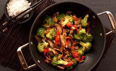 Epicure& Pork Tenderloin and Broccoli Stir-fry Stir Fry Wok, Asian Stir Fry, Broccoli Stir Fry, Broccoli Beef, Epicure Recipes, Healthy Recipes, Healthy Meals, Valeur Nutritive, Meat Lovers
