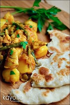 Roti Chicken - with potatoes, green beans and curry BEST DISH EVER! worth the time and dirty dishes! I used a rotisserie chicken instead of raw chicken and it turned out great! Indian Food Recipes, Asian Recipes, Ethnic Recipes, Suriname Food, Caribbean Recipes, Indian Dishes, International Recipes, Main Meals, I Love Food