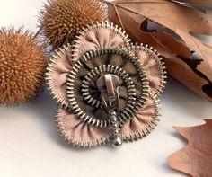 zipper brooch, flower,  Zipper Pin. 2.8 in/ 7 cm,eco friendly, recycled jewelry