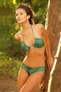 Love this bikini... is that just a triangle top tied a different way? Hmmm.