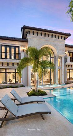 Billionaires home italian homes exterior, mediterranean homes exterior, luxury homes exterior, mediterranean home Design Patio, Design Exterior, Exterior Homes, Exterior Colors, Exterior Paint, Florida Homes Exterior, Villa Design, Billionaire Homes, Mediterranean Decor