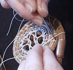 Needle Placement demo from Prim Pines Pine Needle Crafts, Basket Weaving Patterns, Native American Baskets, Pine Needle Baskets, Newspaper Crafts, Sticks And Stones, Pine Needles, Gourd Art, Macrame Knots