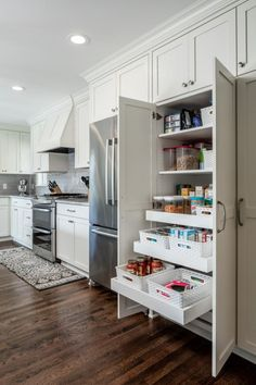 Kitchen Cabinet Storage Ideas Kitchen cabinet organizers can make the difference between a jumbled mess and a clean, efficient, highly functional kitchen workspace. Clean Kitchen Cabinets, Kitchen Cabinet Organization, Diy Kitchen, Kitchen Organizers, Kitchen Ideas, 10x10 Kitchen, Kitchen Layouts, Shaker Kitchen, Kitchen Decor