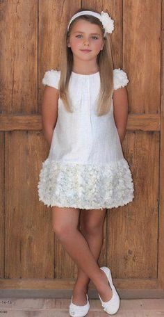 David was at last the girl he wanted to be. Little Girl Dresses, Girls Dresses, Flower Girl Dresses, Little Girl Fashion, Kids Fashion, Baby Dress, The Dress, Communion Dresses, Kind Mode