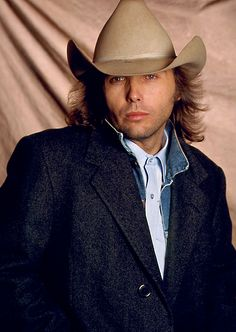 Born: October 1956 ~ Dwight David Yoakam is an American singer-songwriter, actor and film director, most famous for his pioneering country music. Old Country Music, Outlaw Country, Country Music Videos, Country Music Artists, Country Music Stars, Country Men, I Love Music, Good Music, Male Country Singers
