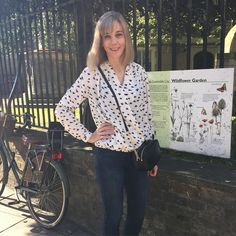 Shopping in Cambridge wearing my Anderson Blouse by Sew Over It Sew Over It, Gillian Anderson, Pdf Sewing Patterns, Dressmaking, Cambridge, Sewing Projects, Glamour, Silk, Blouse