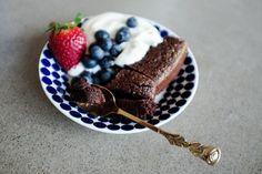 PT-Fia.se » VÄRLDENS GODASTE KLADDKAKA Marshmallows, Amelia, Panna Cotta, Snacks, Ethnic Recipes, Desserts, Food, Marshmallow, Tailgate Desserts
