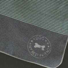 """Aus der Kategorie Kissen & Decken  gibt es, zum Preis von EUR 19,95  Pflegetipp: Waschen Sie Ihre Kuschel- Accessoires wie auf dem Pflege-Etikett angegeben und verwenden Sie einfach nur einen Klecks (haselnußgroß) ganz normales Haarshampoo aus dem Supermarkt. Die Fasern werden auf diese Weise enorm geschont, Ihre Textilien aber trotzdem wunderbar sauber und den Weichspüler können Sie sich auch noch sparen. Der unerwünschte """"Pilling""""-Effekt auf der Oberfläche der Textilien läßt sich so zu…"""
