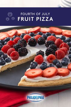 this red white blue fourth of july fruit pizza is perfect for summer barbec 4th Of July Desserts, Fourth Of July Food, Köstliche Desserts, Holiday Desserts, Holiday Recipes, Delicious Desserts, Dessert Recipes, Yummy Food, July 4th