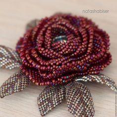 Броши ручной работы. Брошь цветок из бисера, бордовая роза (0394). NatashaBiser. Ярмарка Мастеров. Брошь роза, цветы из бисера