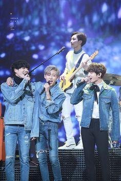 Bambam: yugyeom is mine yugyeom: but i love jungkook Jungkook: ilyt yugyeom Bambam: -_- but you can't have yugyeom jungkook, he's mine! Got7 Yugyeom, Youngjae, Hoseok, Seokjin, Namjoon, Taehyung, Got7 Jackson, Jackson Wang, Jinyoung